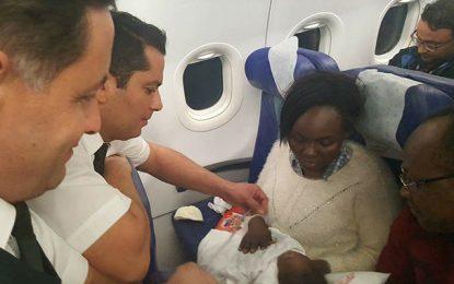 Sheina, un bébé burkinabé sauvé sur un vol Tunis-Ouaga