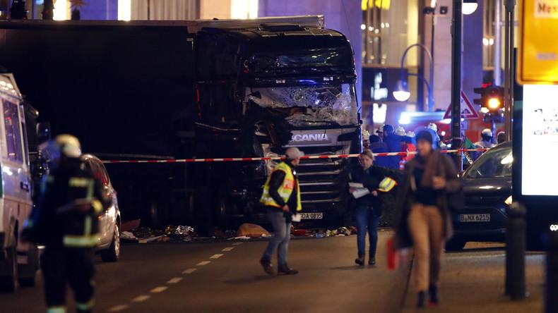 La France solidaire avec l'Allemagne — Berlin