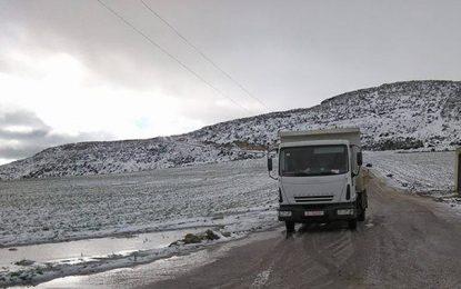 Manouba : Fortes chutes de neige à Tebourba