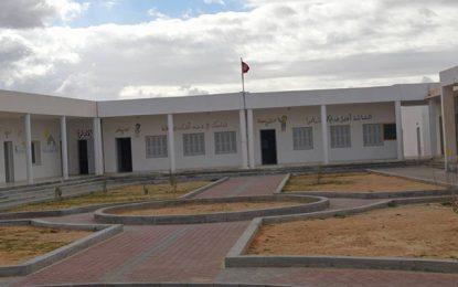 Sidi Bouzid : Un expatrié tunisien rénove entièrement une école primaire
