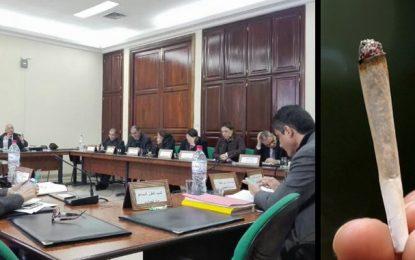 Loi 52 : La commission de législation travaille-elle en catimini ?