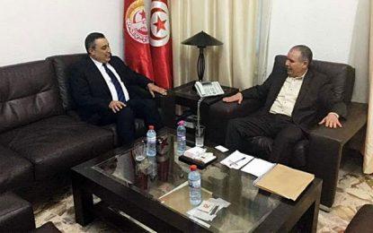 Politique : Mehdi Jomaa garde le contact avec l'UGTT