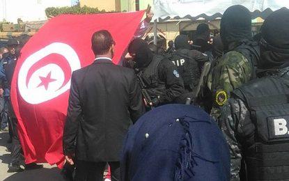 Djerba : Coups de feu près de l'hôtel où résidait Chahed