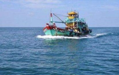 Zarzis : Libération du bateau libyen entré illégalement en Tunisie