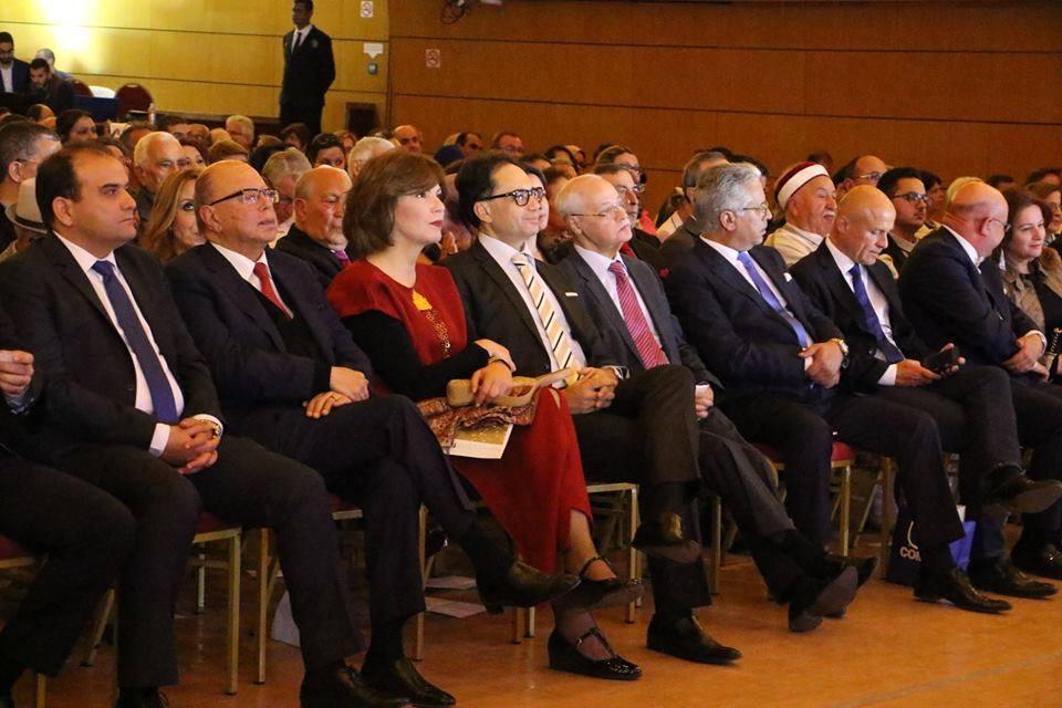 Rachid Ben Yedder au milieu de ses invités.