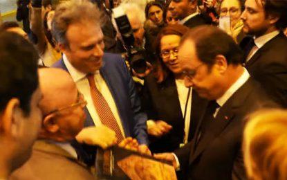 Salon du livre de Paris : «Venez en Tunisie, tout est tranquille»