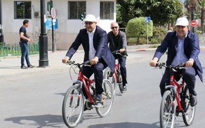 A vélo, Anis Ghedira appelle à protéger l'environnement