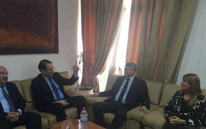 Youssef Chahed effectue une visite au pôle judiciaire et financier