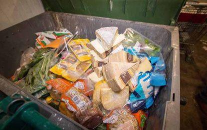 Pendant ramadan, 66% des familles tunisiennes jettent de la nourriture