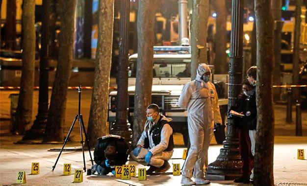 Des gardes à vue, questions sur la détention d'armes — Champs-Elysées