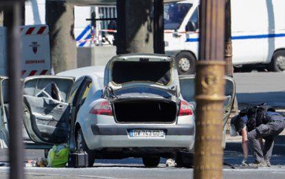 Paris : Un homme fiché S percute un fourgon de police