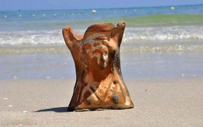 Djerba : Un touriste tchèque découvre un objet archéologique