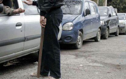 Il est temps de sévir contre les faux gardiens de parkings