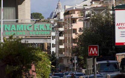 Rome : Un Tunisien agresse une famille italienne pour une cigarette