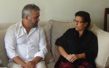Le député français Alexis Corbière au chevet de Radhia Nasraoui