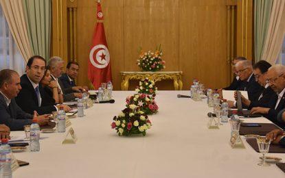Remaniement ministériel : Chahed poursuit ses consultations