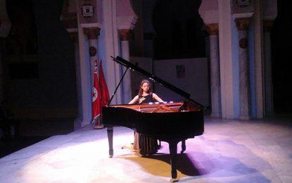 Octobre musical : Lumineuse Nour au piano !
