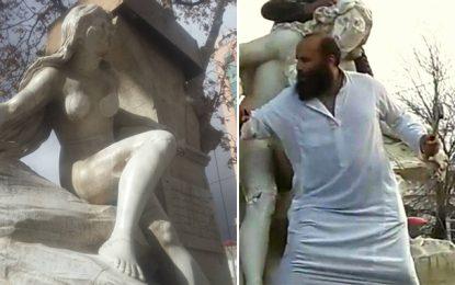 Une Algérienne répond à l'islamiste de Sétif : «Au nom de tous les seins»