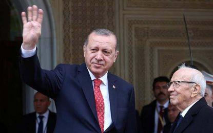 Un responsable des Emirats: Caïd Essebsi a donné une leçon à Erdogan