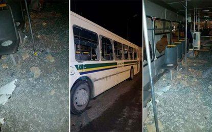 Manifestations en Tunisie : Deux bus saccagés à Manouba et Ariana