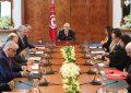 Manifestations en Tunisie: Le gouvernement met la main à la poche