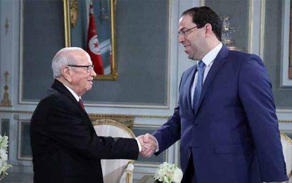Sondage : 46% des Tunisiens satisfaits de Chahed et 35,6% de Caid Essebsi