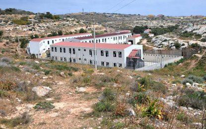 Migration : Fermeture temporaire du centre d'accueil de Lampedusa