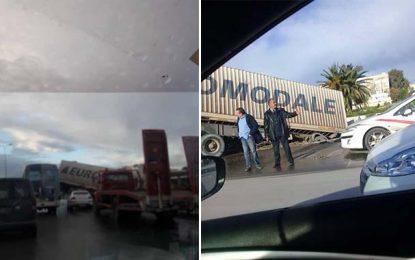 Tunisie : Un camion renversé sur la route nationale Tunis-Bizerte
