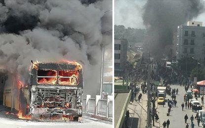 Tunis : Un bus de la Transtu prend feu à la place Barcelone