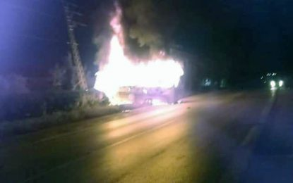 Menzel Jemil : Un minibus en feu et un motard dans le coma