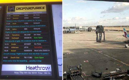 La planète Tatooine dans le tableau des départs de l'aéroport de Heathrow