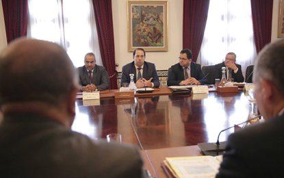 Négociations sociales : Youssef Chahed tend la main à l'UGTT