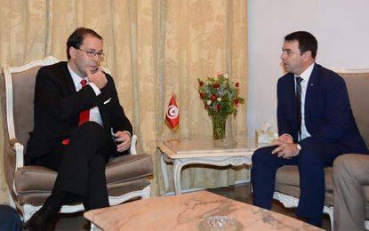 Tunisie : Des avocats portent plainte contre Chahed et Majdoub