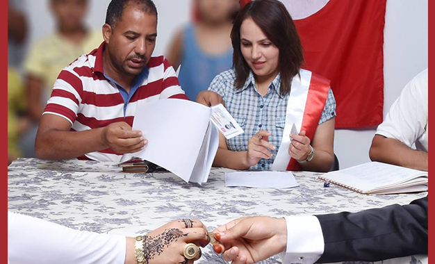 Nadia Romdhani 1ere Femme A Bouhajla A Etablir Un Contrat De Mariage