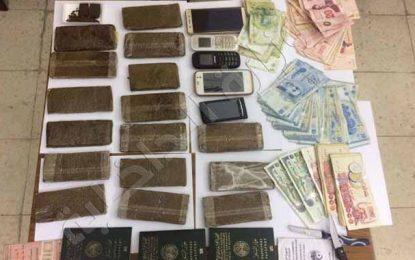 Kef : Arrestation de 4 Algériens en possession de 15 plaques de cannabis