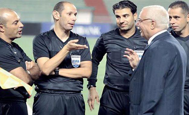 Un trio arbitral tunisien provoque une polémique dans le football égyptien