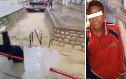 Poussé par son camarade dans un canal, un élève est sauvé par deux femmes