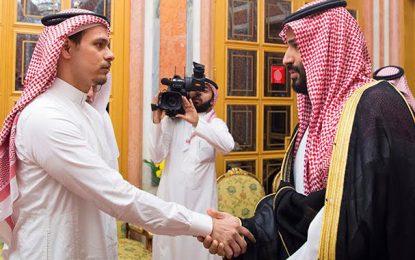 Photo du jour: MBS et le fils de Jamal Khashoggi les yeux dans les yeux
