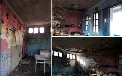 Kalaa Seghira : Des enfants mettent le feu à leur salle de classe (Photos)
