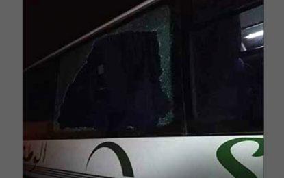 Kairouan : Un bus transportant des voyageurs caillassé par des inconnus