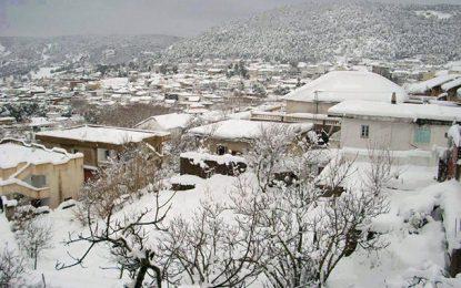 Neige à Jendouba : Perturbations sur la route menant à Aïn Draham