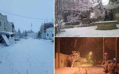 Vague de froid en Tunisie : La neige bloque certaines routes à Siliana
