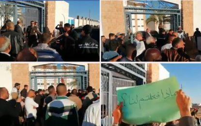Ghannouchi accueilli par «Dégage, assassin !» à Ben Guerdane (vidéo)