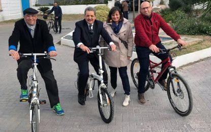 Ariana : A vélo, Fadhel Moussa fait la promo du transport écologique