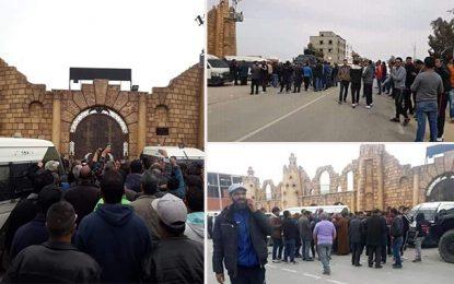 Sidi Bouzid: Abir Moussi et ses militants agressés par un groupe hostile (vidéo)