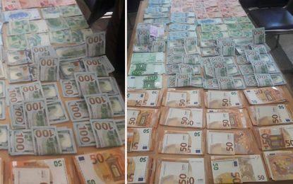 Sidi Bouzid : Six contrebandiers arrêtés pour trafic de devises