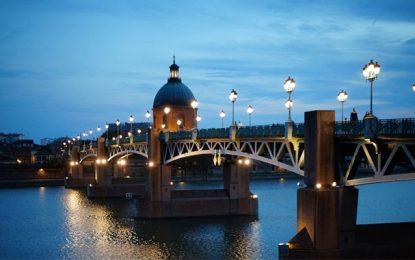 Étudier à Toulouse : Où trouver les meilleurs transports et voitures de location