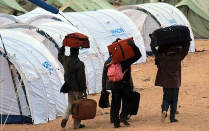 Crise libyenne: Plan d'urgence pour accueillir 25.000 réfugiés en Tunisie