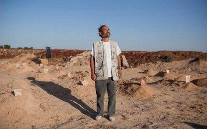 Chamseddine Marzoug, le Tunisien de Zarzis qui enterre seul les corps des migrants rejetés par la mer