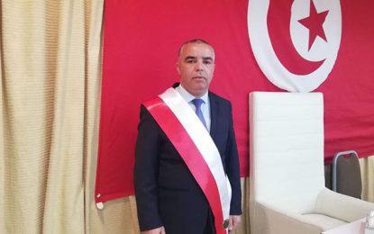 Un vendeur ambulant agresse le président de l'arrondissement municipal de l'Ariana, Mohamed Hamaied